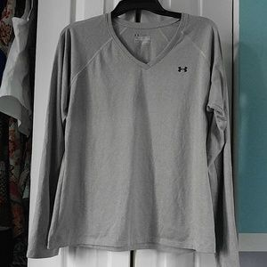 Grey long sleeve under armour shirt